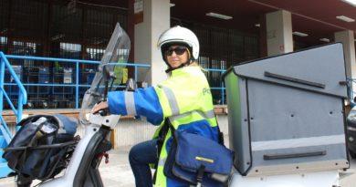 Postina su triciclo elettrico Poste Italiane