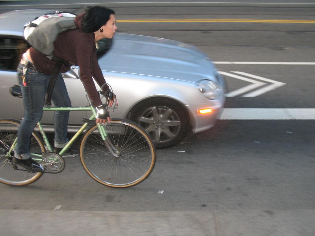 bici auto sorpasso